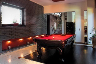 professional pool table refelting in Sierra Vista content img2